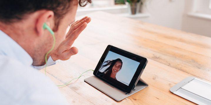 guy-video-chatting-girlfriend-ipad